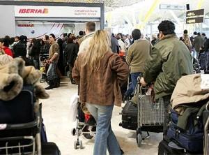pasejeros aeropuerto fondo de resguardo 300x222 Fondo común entre Agencias y Aerolíneas ??