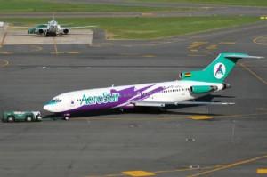 aerosur Boeing 727 200 300x199 Bolivia Prohíbe aviones antiguos para el 2011