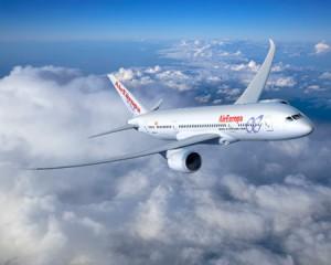 avion air europa 300x240 Air Europa se atreve y compite con Iberia