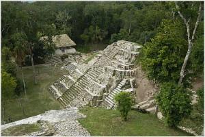 Xaya Peten Guatemala 300x200 Razones para visitar Guatemala, Parte 1