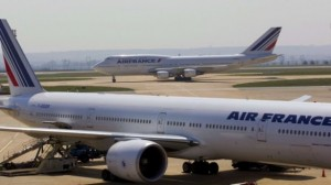 protestas en francia 300x168 Protestas en Francia cancelan y retrasan vuelos