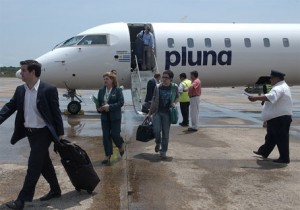 vuelos pluna 300x210 Pluna triplicará sus vuelos a Chile