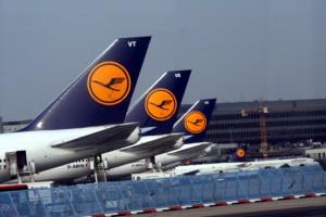 Lufthansa 300x200 Primer vuelo comercial de avión con biocarburantes, ¿inicio de los vuelos verdes?