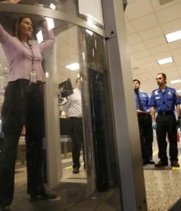 escaner corporal 257x300 EE.UU. instala más escáneres en aeropuertos