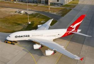 qantas 300x205 Aerolínea Qantas suspende vuelos