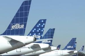 acuerdos vuelos lan chile jetblue 300x199 Aerolínea LAN firma acuerdo con JetBlue, más vuelos a EE.UU y el Caribe