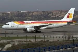 iberiaaa1 300x201 Iberia cancelará más de 100 vuelos este viernes